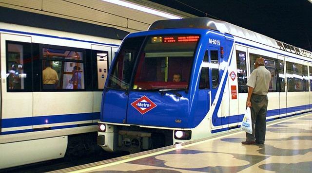 Madrid Metro, Concha Espina station.