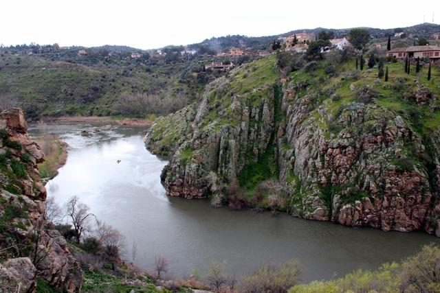 Tagus River Toledo / El Río Tajo Toledo