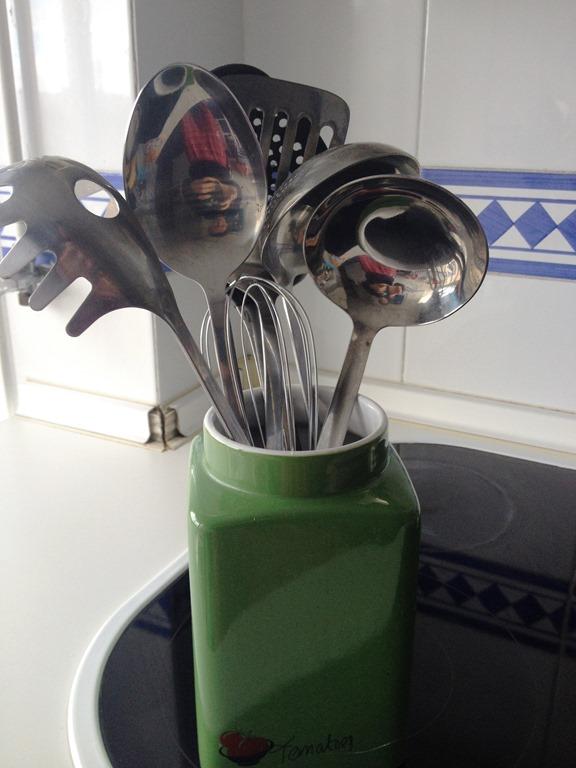 11 Various utensils