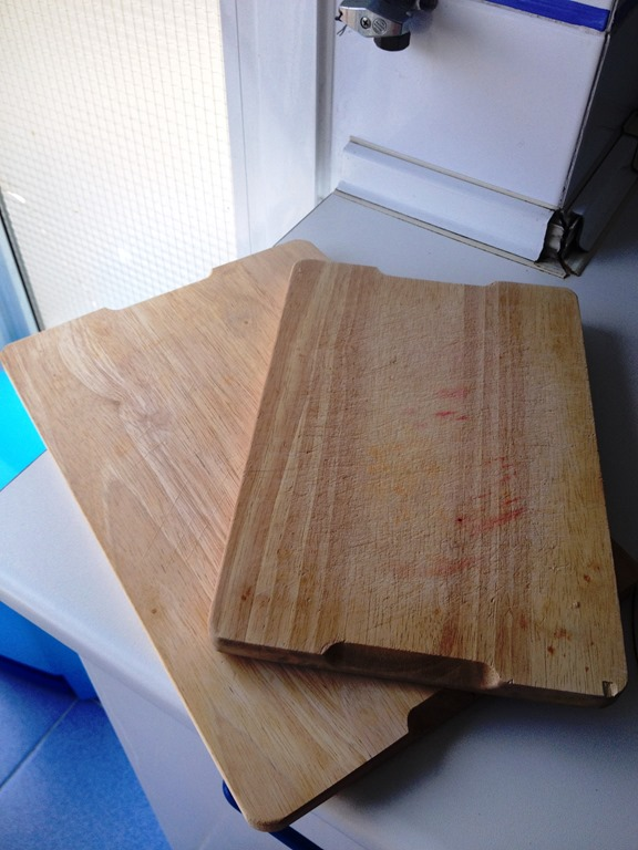 32 Cutting boards