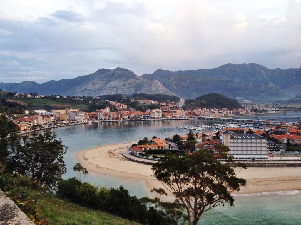 Asturias Ribadesella Playa de Santa Marina